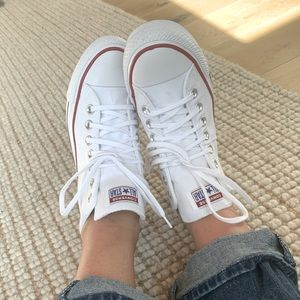 Converse Chuck Taylor All Star Madison Mid Sneaker